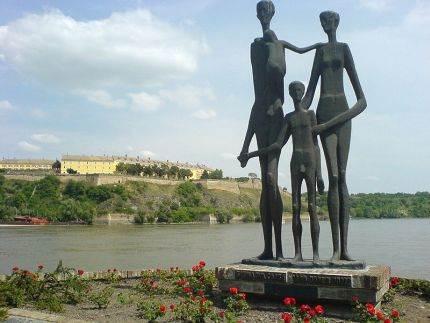 Kej žrtava racije, Novi Sad
