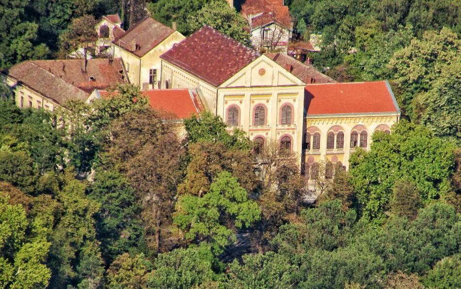 Uz Kapetan Mišino zdanje, Staro zdanje bilo je najveća zgrada tadašnje Srbije