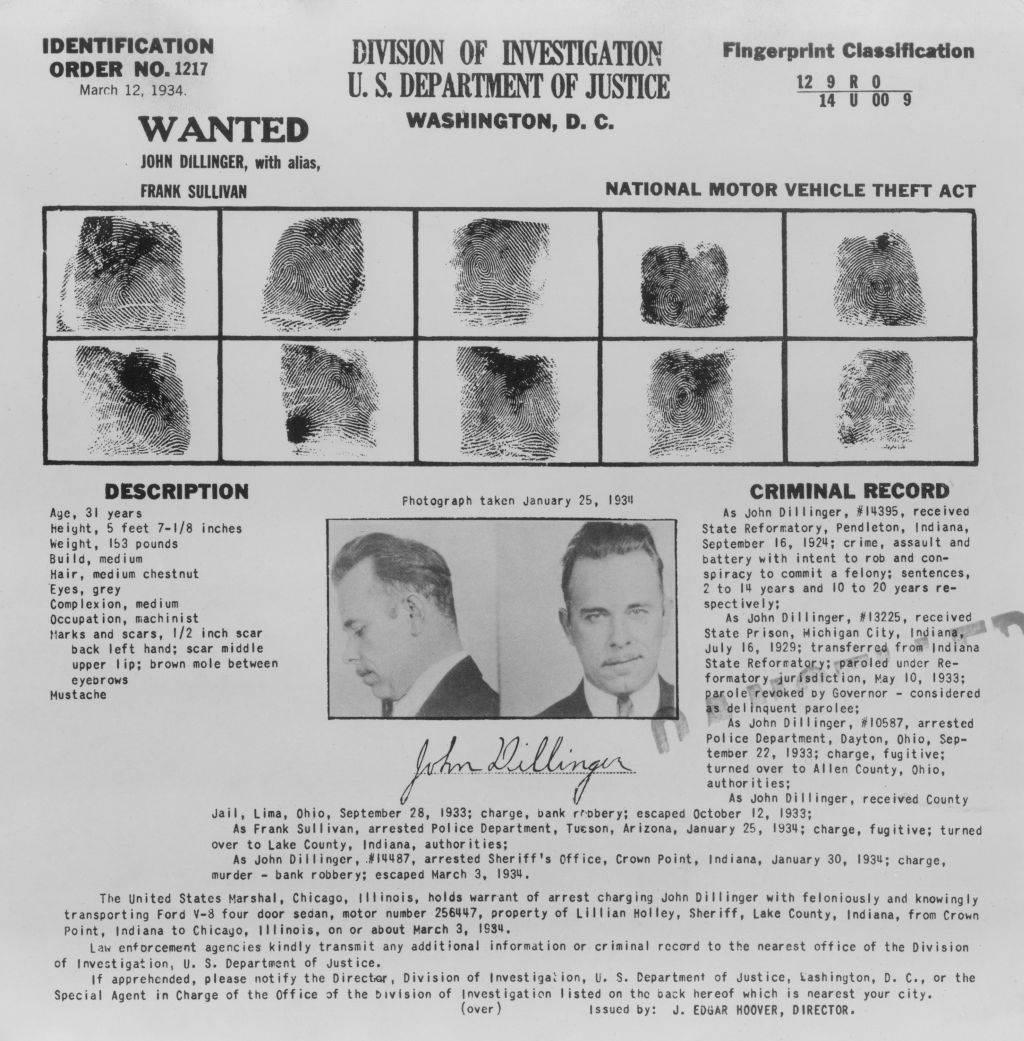 Poternica za Džonom Dilindžerom, njegova fotografija i otisci prstiju, 1934. godine.
