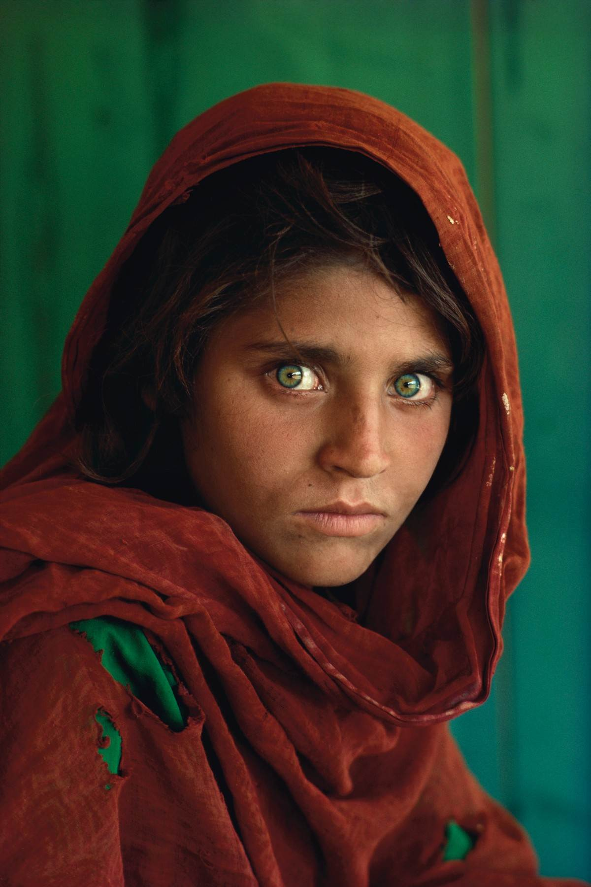 Avganistanska devojčica, Šarbat Gule. Fotografija sa naslovne strane časopisa National Geographic it 1985. godine.